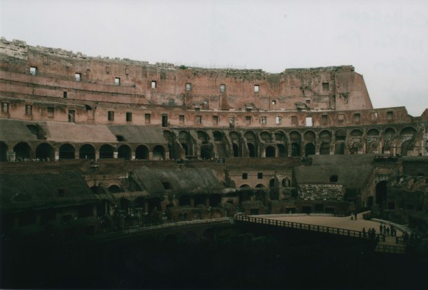 Colloseum 28mm Agfa Vista Plus 200 f8 500th sec