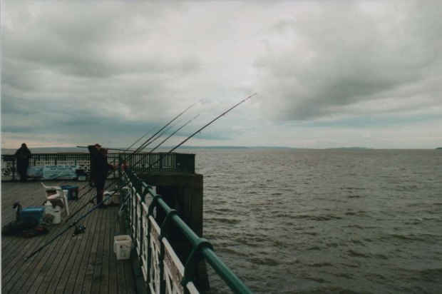 Fishing 2 Agfa Vista Plus f5.jpg
