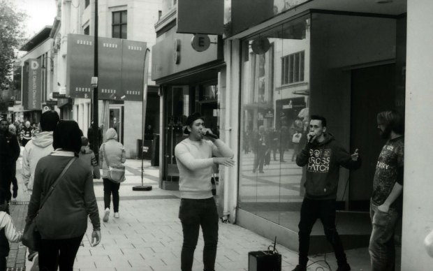Beatboxers 50mm Fomapan Clasic 100 f5