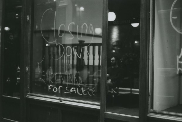 Mirror Cafe 50mm Fomapan Classic 100 f1.jpg