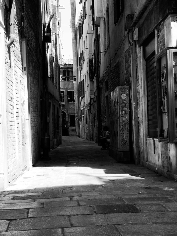 Alley Venice.jpg